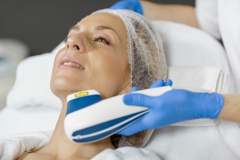Entfernung von Kapillargefäßen an Gesicht und Nase mit Laser - Lege Artis 002