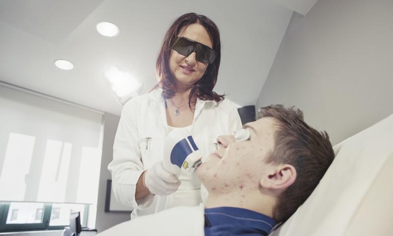 lasersko-uklanjanje-akni-lege-artis