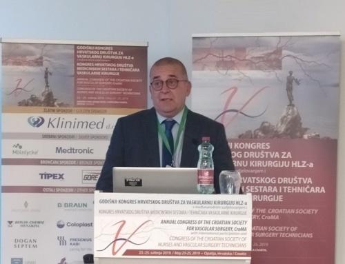 Doktor Krešimir Čandrlić u svojstvu predavača na Godišnjem kongresu Hrvatskog društva za vaskularnu kirurgiju HLZ-a
